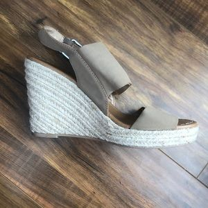 Tan Strapped Wedges